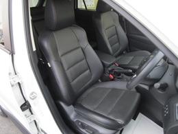 10WAYパワーシートを装備!体格や好みに応じたポジションをスムーズに調整できます。