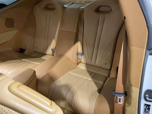 後席シートも使用感は無く非常に状態は良好です♪目立った傷、汚れ等全く御座いません(^^♪