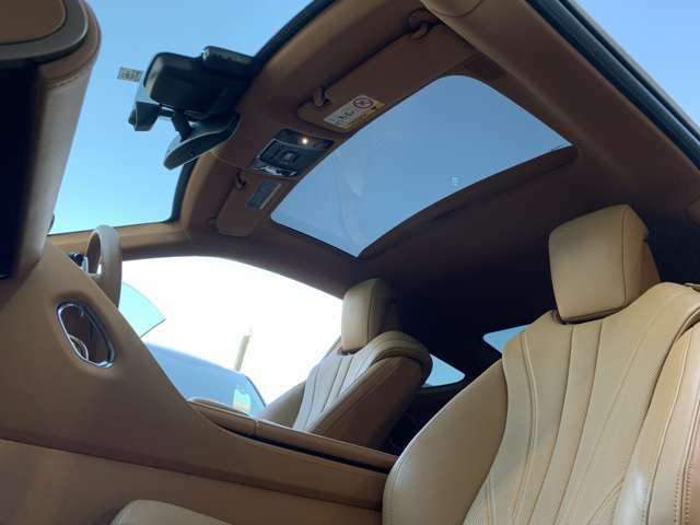■レクサス新車保証継承OK!(令和4年9月迄)■第三者車両鑑定書付!(内外装共に5点)■禁煙車!■メーカーオプションカラー083ホワイトノーヴァガラスフレーク■3眼LEDヘッドライト■LEDウインカー