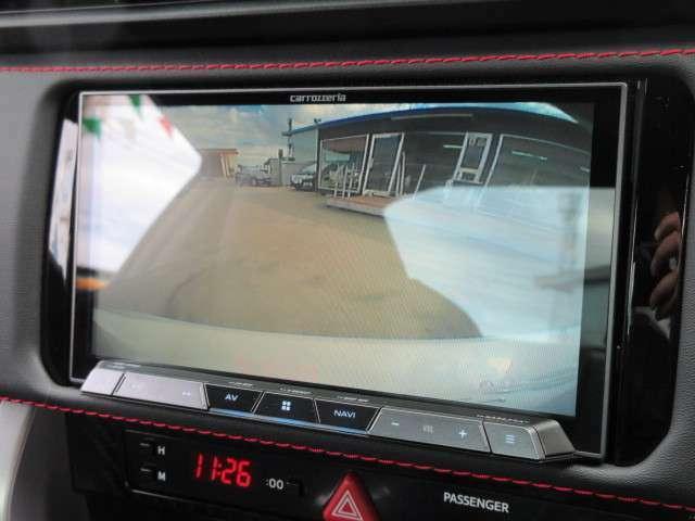 カロッツェリアメモリーナビ♪ バックカメラ付きで、駐車も安心ですね♪
