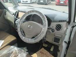 操作しやすい運転席廻り!操作パネルも使いやすい!!ドライブが楽しくなります!