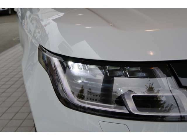 LEDヘッドライト搭載で夜間も安心してドライブをお楽しみいただけます!