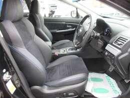 専用インテリア&シート♪ ハーフレザーシート♪ 運転席&助手席パワーシート機能付き♪