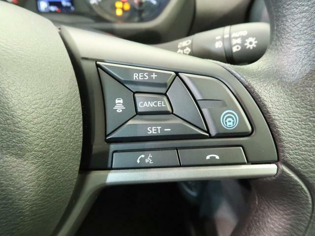 【プロパイロット】技術のNISSANが誇る同一車線追従システムです!!ご家族とのドライブがもっと快適になりますね♪