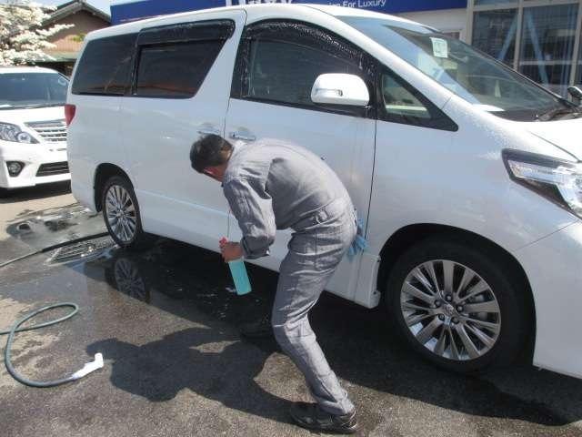 Bプラン画像:中古車、新車も一からプロの手で磨きなおしてピカピカに仕上げます☆
