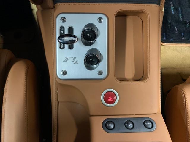 F1マチックはオートモード(ギアが自動的に変則するモード)付きになります。