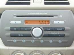 純席CD・ラジオ装備。ナビ取付等お気軽にお問い合わせ下さい。