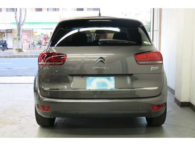 初めてお車をご購入される方も安心して下さい、必要な書類や車庫証明など丁寧にご説明させて頂きます。