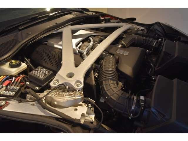 4.0L V8 ツインターボエンジン 510PSを発揮するエンジンは、パワフルさと扱いやすさが両立しております。