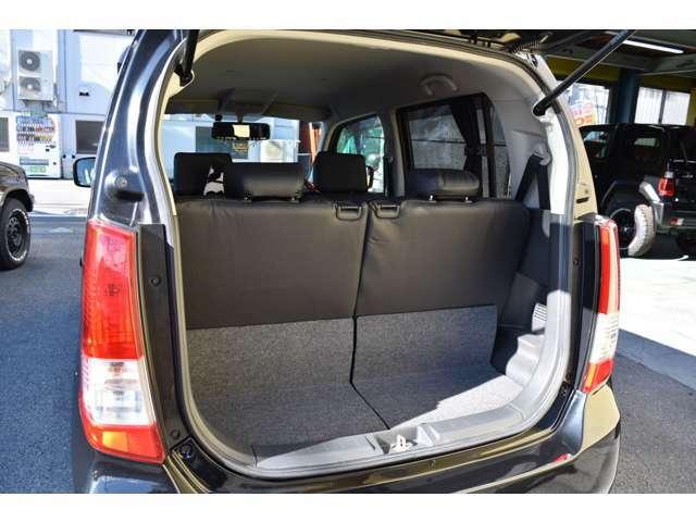 トランクスペースもきちんと確保されております!!ワゴンRは車内も広いですので多くの荷物を積んで頂けますよ!!広々快適にカーライフを送って頂けます!!オススメの車輛です!!