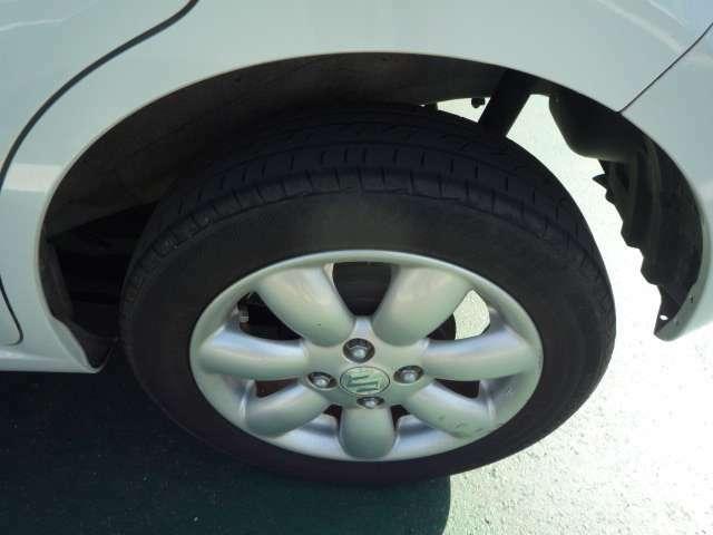 新品タイヤやスタッドレスタイヤのご希望の方は、お知らせ下さい。車種に合わせたサイズをお調べしてご提案させていただきます。