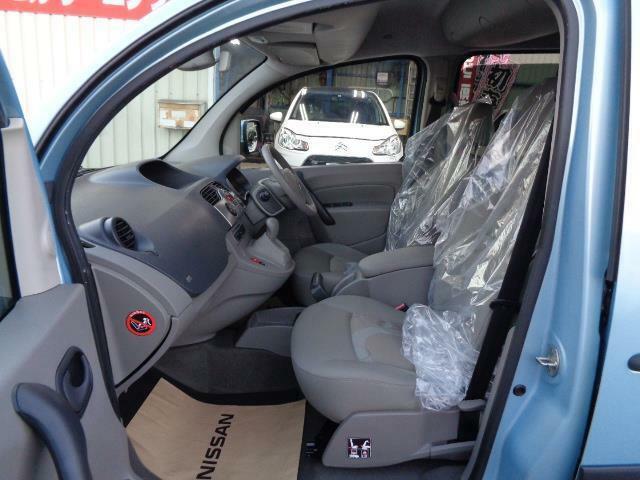 フロント&サイドエアバック ABS 電格ミラー キーレス オートエアコン ETC 盗難防止システム付きです!
