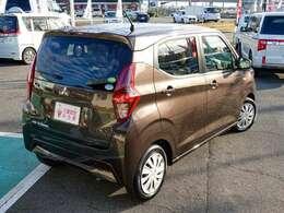 たっぷり荷物も積めて、4人乗車のお車は大変お買得ですよ!! 実際にこの広さを体感してください!