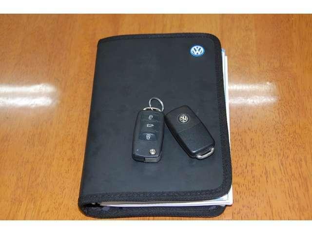フォルクスワーゲン専用の車検証ケースです。