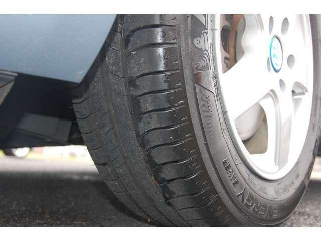 タイヤの溝もあります。