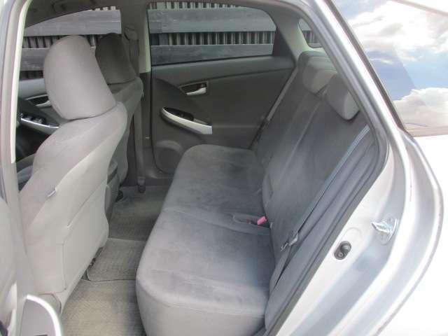 セカンドシートもゆったりスペース!! 大人が乗っても狭くないですよ!! 是非一度体感してみては??