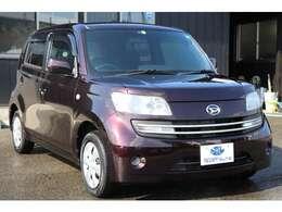 ダイハツの小型乗用車「COO(クー)」。トヨタ「bB」を同型とし、英語の「かっこいい」「COOL」に由来したネーミングを持つ。