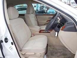 フロントシートのコンディションも良好です!ベージュ色のシートが引き締まって落ち着いてます♪♪お問い合わせはお気軽に0120-03-1190.sankyo8585@net.email.ne.jp☆
