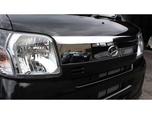 フィアマ製サイドオーニングF45S(メーカーオプション)・クルーズターボリミテッド特別装備メッキフロントグリル・外装色ブラック・純正CD・FM・AMオーディオ・フロントスピーカー付き!