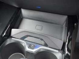汎用性のあるワイヤレス充電の他、Bluetooth、USBインターフェイスなど多彩な機能を提供します。