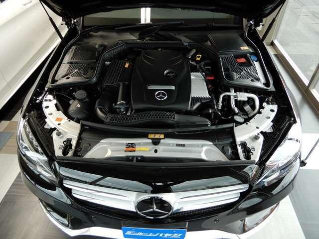 C200は2000ccターボエンジン、レーダーセーフティ装備や足回りがエアサスのモデルになります