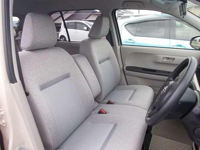 【シートも刷新!快適な座り心地】 パッソは、シートのフレームやクッションを一から見直しました!座った時の収まりが良く、ホールド感もしっかり!