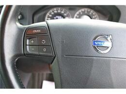 クルーズコントロールは標準装備。長距離ドライブの強い味方。