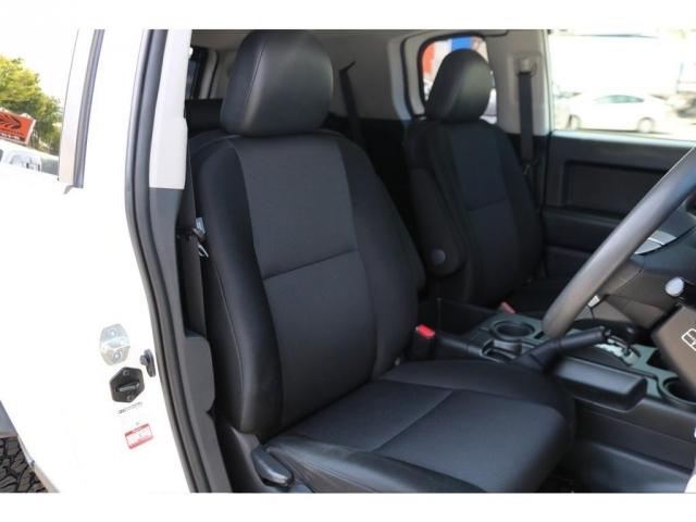 撥水性のあるファブリックシート!運転席シートもご覧の通り綺麗な状態です!