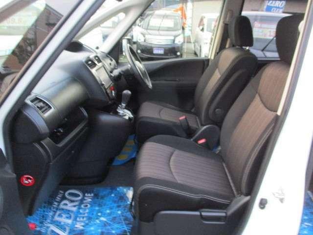 内装も綺麗な状態のお車になります。シートはタバコ等のコゲ、シミ無く大変綺麗な状態になります!!