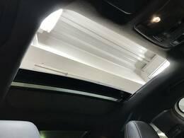 【サンルーフ】人気メーカーオプション。開放感溢れる車内を演出します☆
