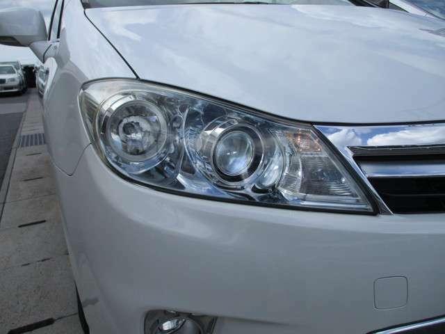 ☆HIDヘッドライト☆夜のドライブを明るくサポート!!暗い道でも安心して走れますね☆