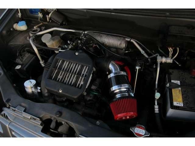 エンジンルームもキレイでアイドリングも安定しており異音も無く安心してお乗り頂けます!
