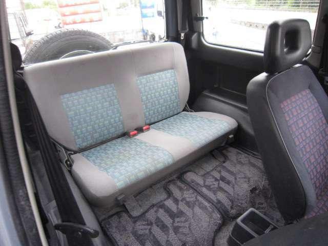 後席シート柄が違います。県外納車&全国納車OK。