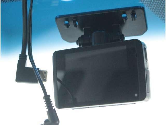 【純正ドライブレコーダー】万が一の事故の際に証拠を残すドライブレコーダー付です。