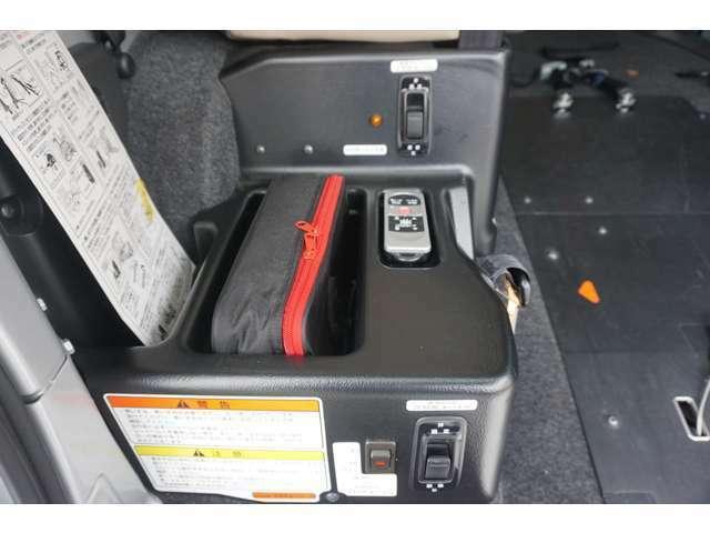 操作方法もシンプルで簡単です★ 車イスも当社にご用意がございますので 実際に車いすを使って レクチャー致します★