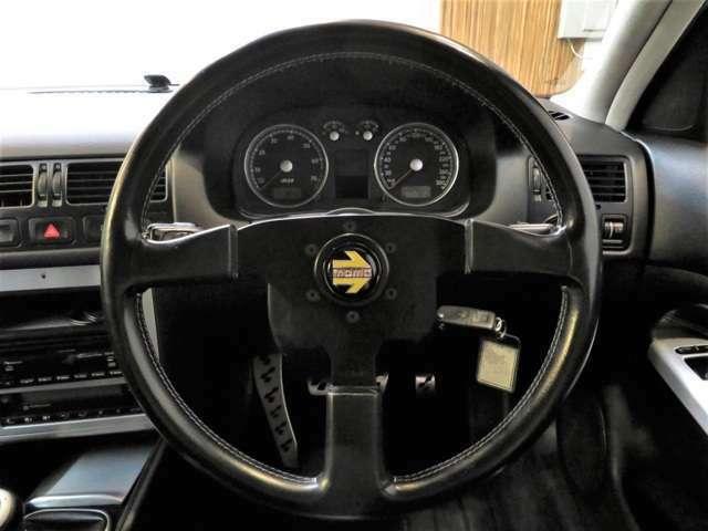 MOMOステアリング!ホーンもしっかり鳴ります。NA&VR6&4WDをとことんお楽しみいただけます。お好みで違うものに変更しても面白いですね☆