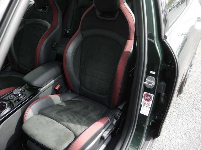運転席、助手席ともに綺麗に保たれています♪シートヒーター付きです!!