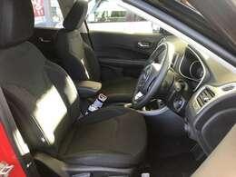 走行距離が少ないのでシートの汚れもなにもなく気持ち良くお乗り頂けますね。