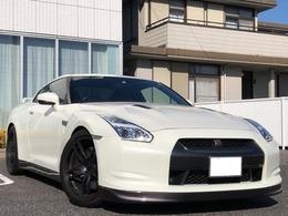 日産 GT-R 3.8 プレミアムエディション 4WD カット