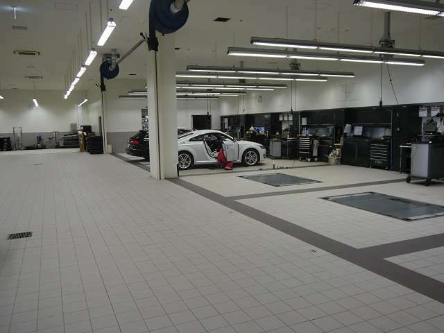 三階には工場がありメンテナンス施設も充実しています。