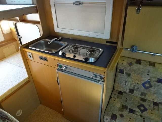 ☆キッチンスペース☆コンロ・シンク・冷蔵庫がございます♪