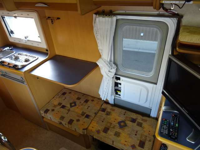 キッチンスペース拡張&簡易シートがあります。大人数でご飯を食べる時、簡易シートは非常に役に立ちます♪