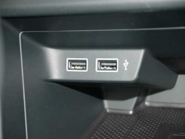 USB充電ポートを2つ設置しています。