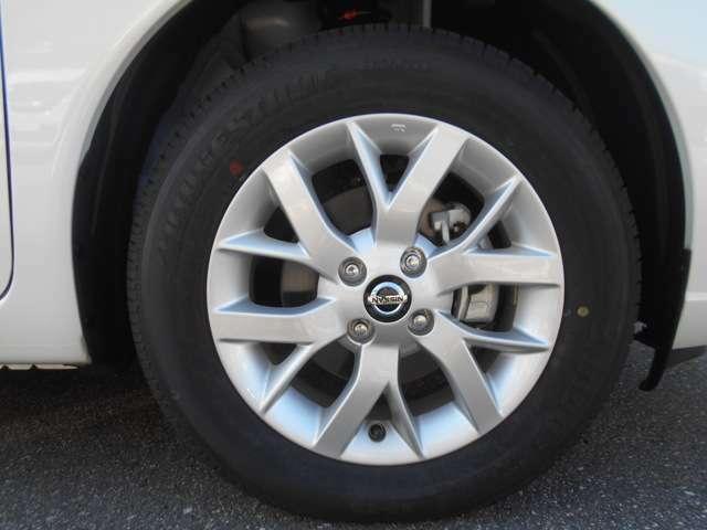 タイヤサイズは185/65R15です♪
