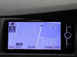 純正SDナビ(NSZT-W62G)が付いているのでフルセグテレビも視聴可能でBluetoothも対応しております☆