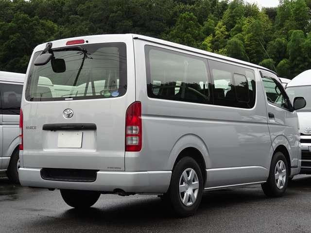 長さ:469cm/幅:169cm/高さ:198cm/最大積載量:1200[850]kg/車両重量:1700kg/車両総重量:3065[3045]kg/燃料タンク:70リットル/カラーナンバー:1E7