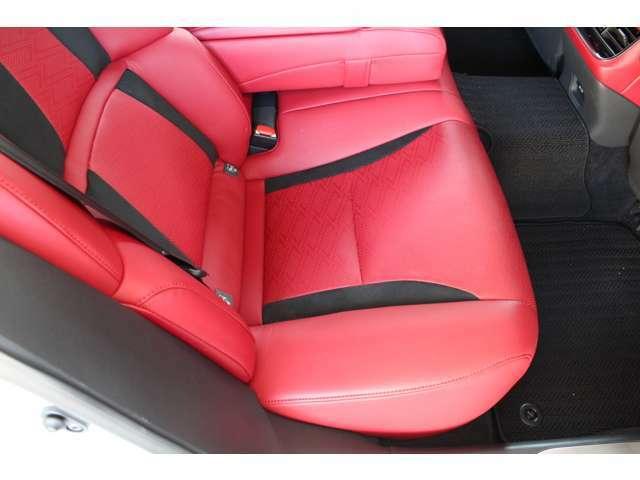 Aプラン画像:後席シートです。シートヒーター付きです。
