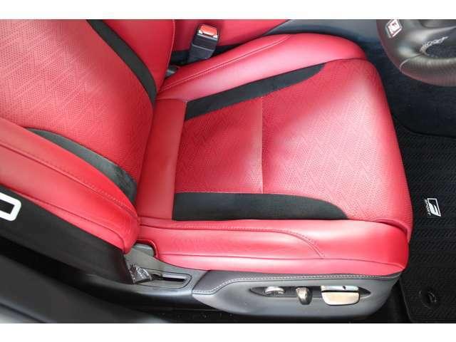Aプラン画像:運転席シートです。シートヒーターベンチレーション付きです。