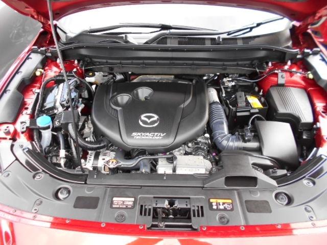 2.2L直列4気筒DOHC16バルブディーゼルターボエンジンは、4Lクラス並みのトルクによる余裕の走りと、低燃費+軽油使用による高い経済性を両立しています!パワフルでお財布にやさしいエンジンです!