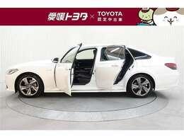 トヨタ販売店でU-Car取扱い店舗は、全国に約1,700店舗ございます。トヨタ車だけでなく他メーカーのU-Carも豊富にご用意しています。中古車をお探しの際は、愛媛トヨタへお立ち寄りください。